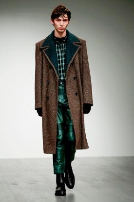 John-Lawrence-Sullivan-Menswear-FW18-London-0151-1515247831-bigthumb